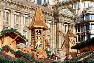 Christmas Shopper in Birmingham