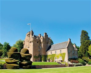 Gold Castles, Houses & Gardens of Scotland