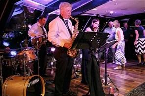 London Overnight Tower Hotel & Jazz Dinner Cruise