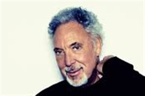 Tom Jones - Plymouth Hoe