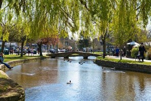 Bourton on the Water & Moreton in Marsh